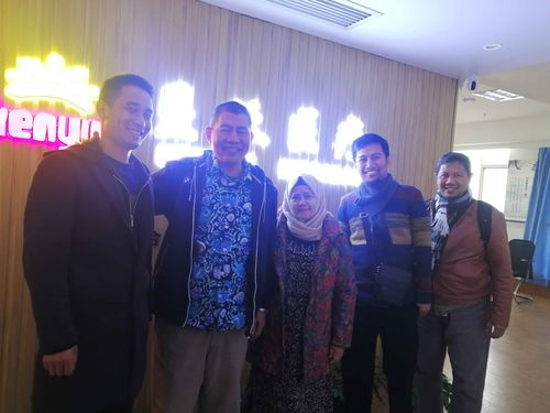 Customers From Indonesia Come To Visit