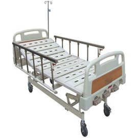 China Three Functions Manual Hospital Medical Beds 5 Inch Castors Aluminum Alloy Side Rails Hospital Bed factory